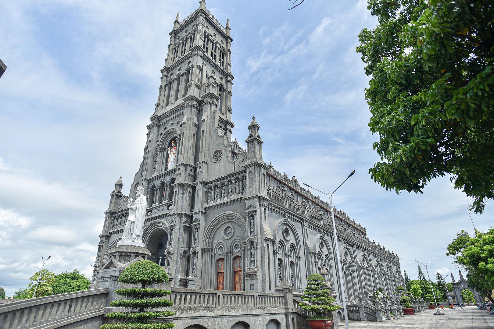 Đền Thánh Sa Châu - nhà thờ Nam Định đẹp uy nghi như ở trời Âu - Ảnh 3.
