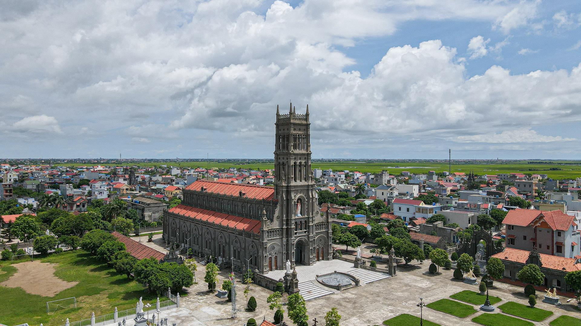Đền Thánh Sa Châu - nhà thờ Nam Định đẹp uy nghi như ở trời Âu - Ảnh 5.