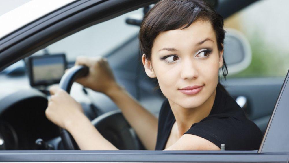 """Cách """"căn"""" đầu xe và đuôi xe chuẩn chỉnh cho lái mới - Ảnh 2."""