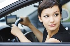 """Cách """"căn"""" đầu xe và đuôi xe chuẩn chỉnh cho lái mới"""