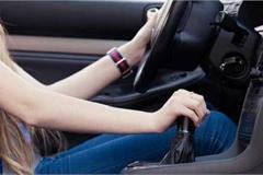 Lái xe số tự động, tài xế hay mắc phải những sai lầm nào?