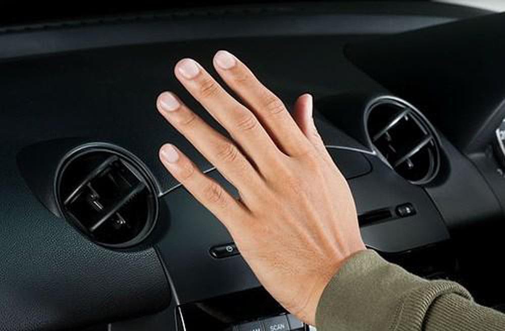 Kinh nghiệm lái xe số tự động tiết kiệm xăng đáng kể - Ảnh 2.