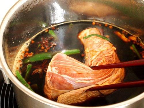 Bò kho muốn ngon, tuyệt đối phải nhớ bí quyết nêm nếm gia vị này - Ảnh 3.
