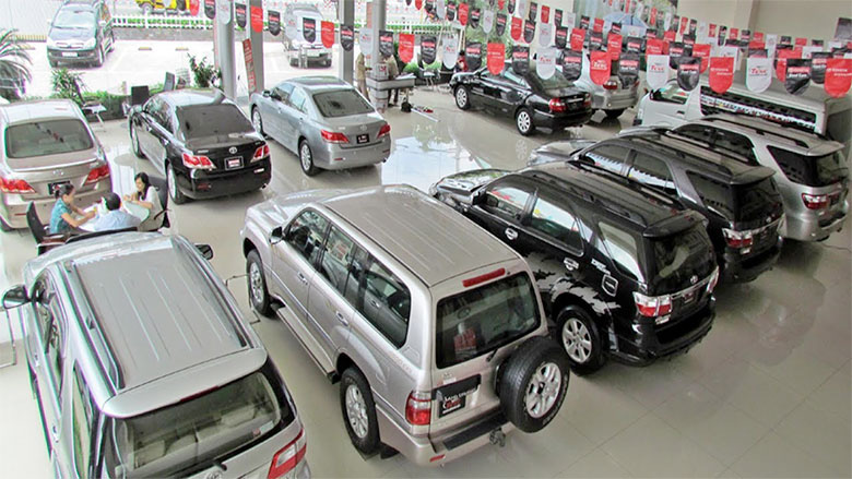 """Thu nhập 10 - 20 triệu có nên mua ô tô, chi phí """"nuôi"""" xe ra sao?"""