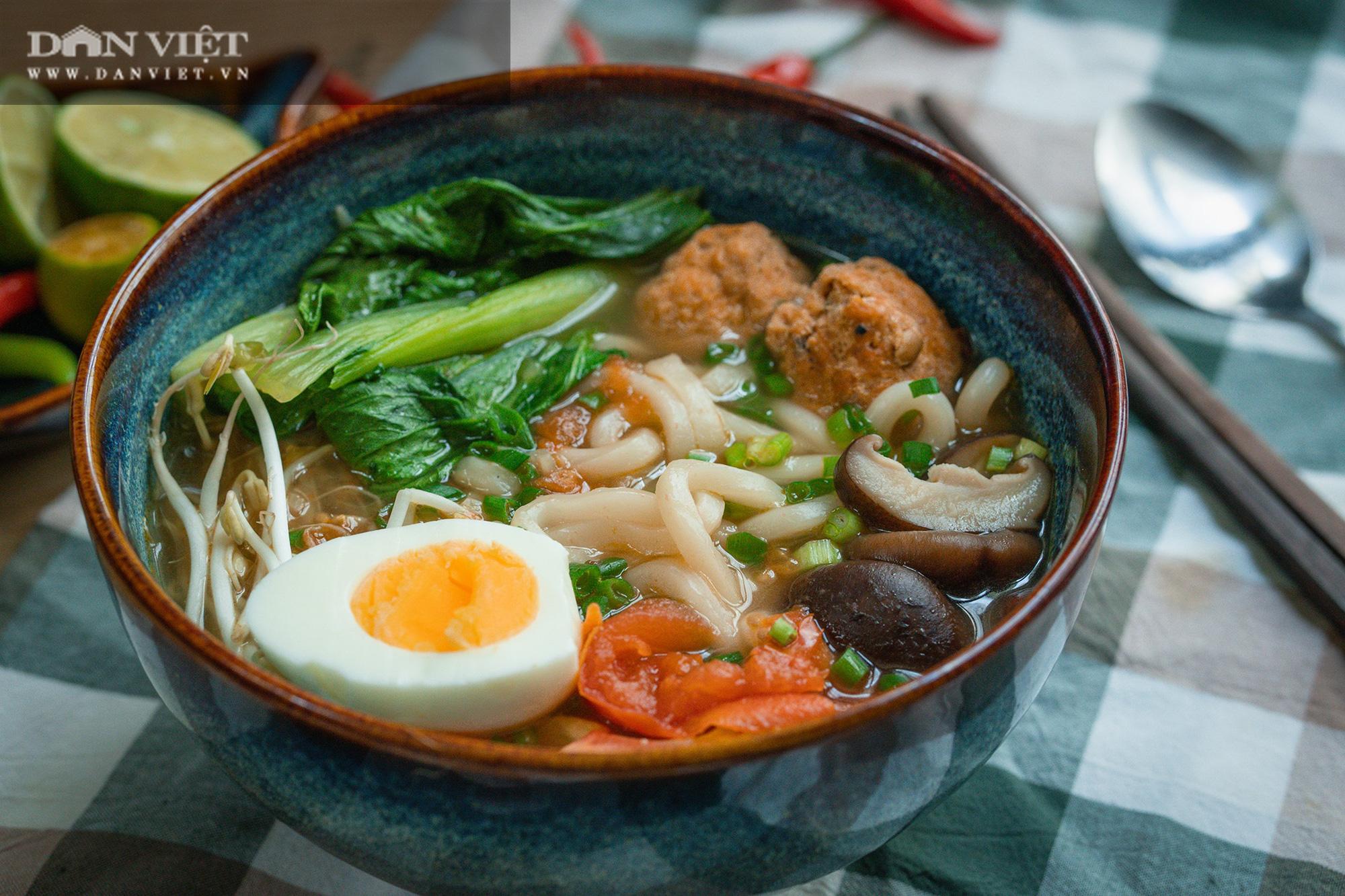 Bí quyết nấu món mì Udon chả cua siêu ngọt mà không cần dùng xương - Ảnh 3.