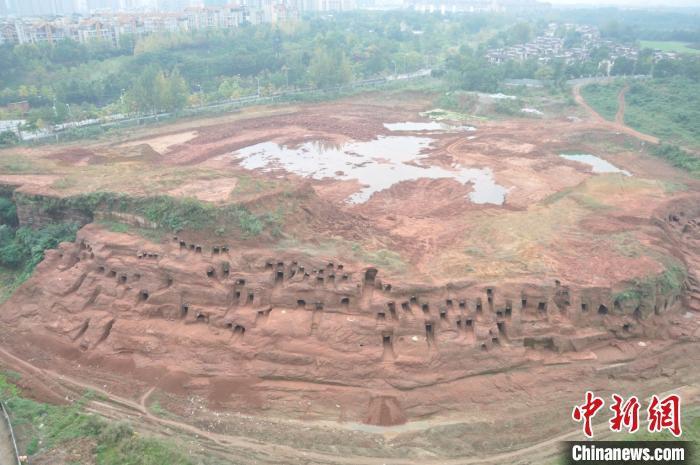 Phát hiện kỳ bí về 219 ngôi mộ trên vách núi Tứ Xuyên - Ảnh 2.