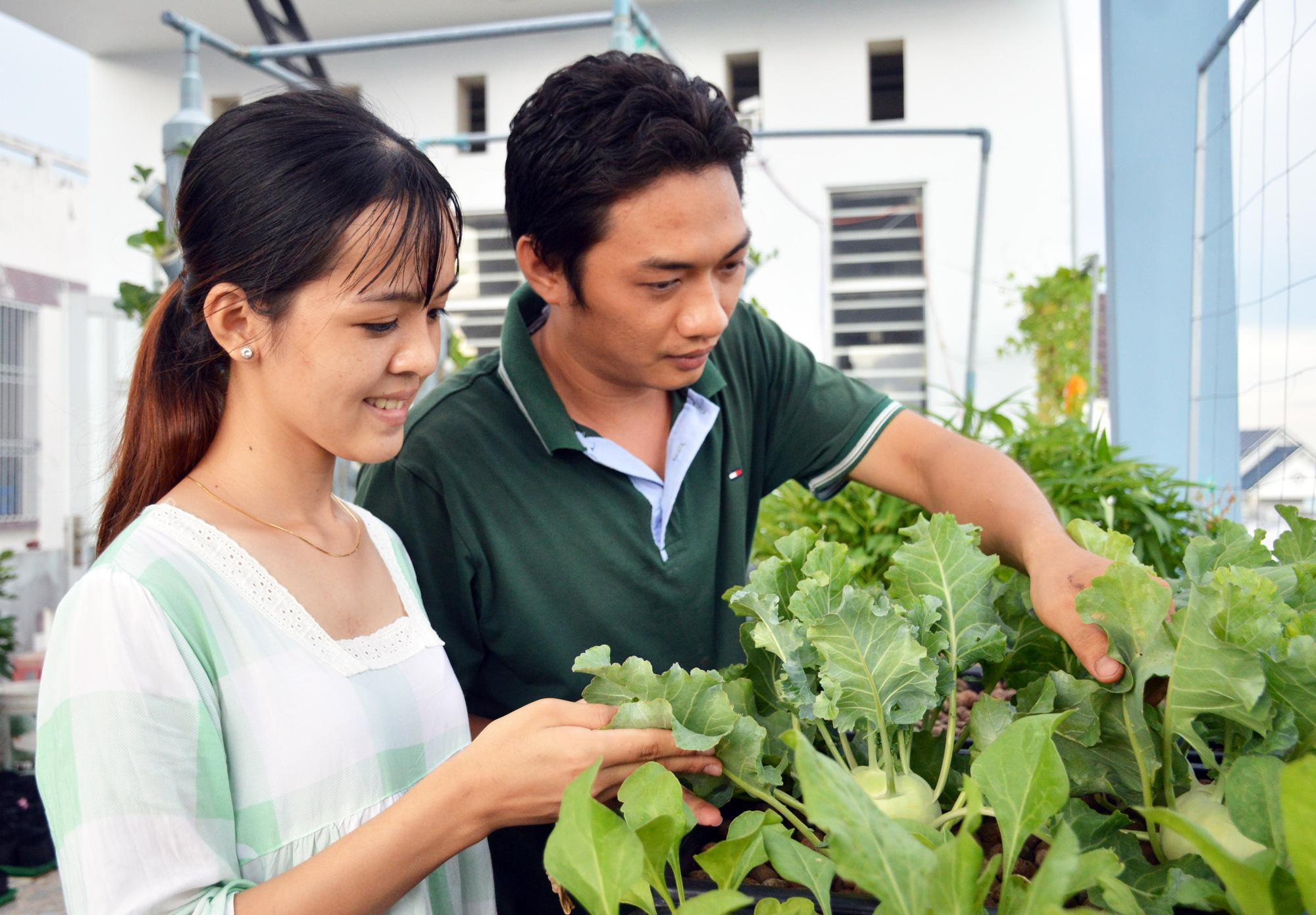 """Ngỡ ngàng """"khu vườn trên mây"""" với hơn 30 loại cây của đôi vợ chồng trẻ - Ảnh 9."""