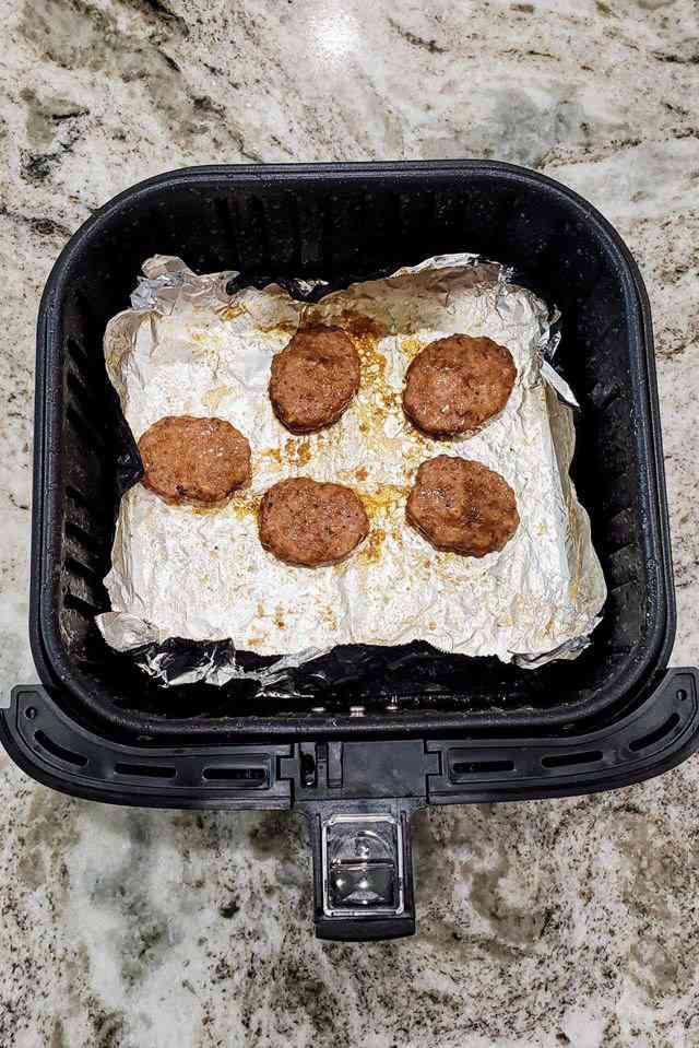"""Muốn làm thịt nướng thơm, mềm, đậm đà, chỉ cần cho """"gia vị"""" đặc biệt này - Ảnh 7."""