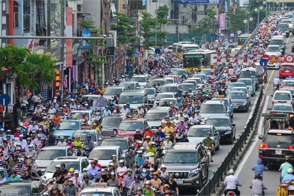 Kinh nghiệm lái xe ô tô trong thành phố giờ cao điểm