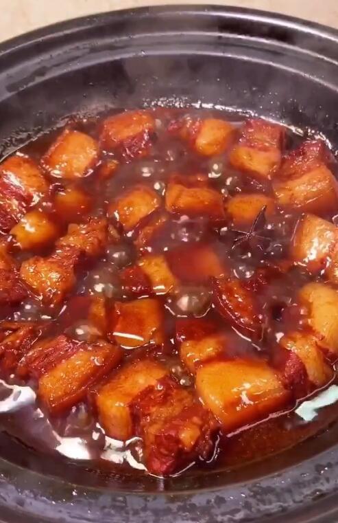 Cách nấu thịt lợn kho tại nhà đơn giản nhất với 4 bước - Ảnh 5.