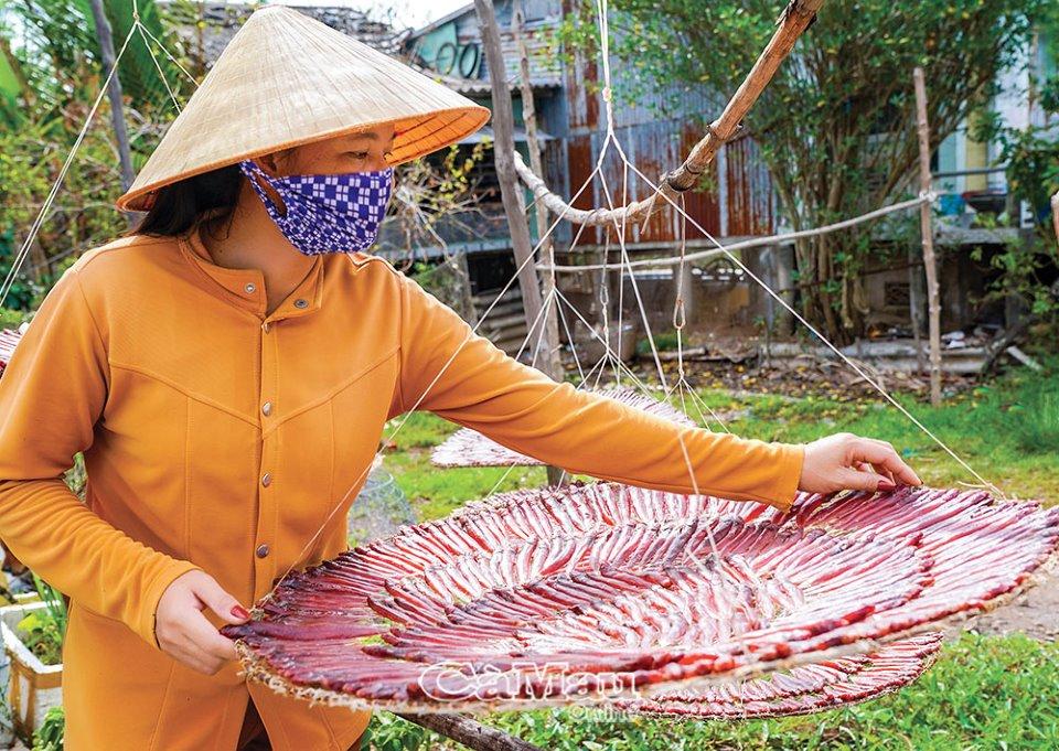 Khô cá kèo đỏ - một trong những đặc sản độc, lạ, hiếm ở xứ Tân Ân - Ảnh 1.