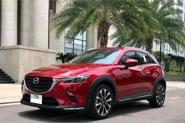 Mazda CX-3 2021 màu đỏ, chạy 1.900 km bán lỗ ngỡ ngàng