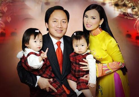 Gia đình hạnh phúc của tỷ phú Chính Chu