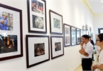 Photo exhibition reveals beautiful moments in Hanoi