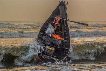 The beauty of Vietnamese fisherman's life