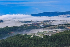 Chasing clouds in Da Lat