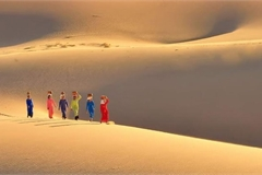 Amazing mobile sand dunes in Ninh Thuan province