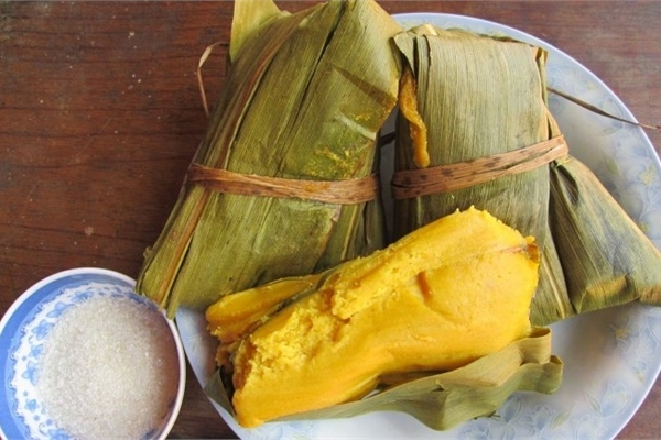 Corn cake - a traditional dish of H'Mong people in Tuyen Quang