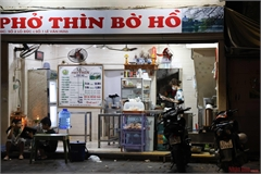 Hanoi's dining and drinking venues on reopening day