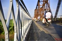 "120-year-old bridge receives ""new coat"""