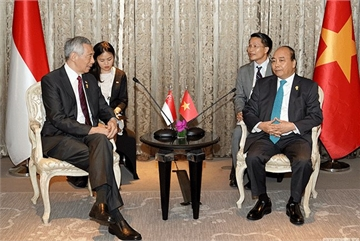 Singapore's Lee says his remarks not meant to hurt Vietnam