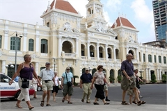Covid-19 costs HCM City's tourism nearly VND1 trillion