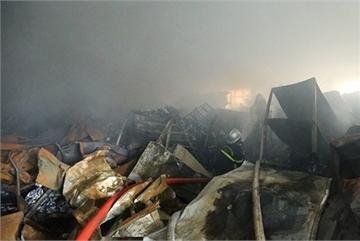 Blaze at veterinary medicine company claims three lives in Hanoi
