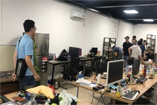 Police break up major online gambling ring in Hanoi