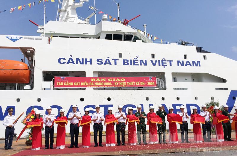 Vùng Cảnh sát biển 1 nhận tàu đa năng hiện đại 8004 - ảnh 2