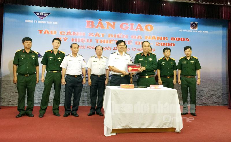 Vùng Cảnh sát biển 1 nhận tàu đa năng hiện đại 8004 - ảnh 1