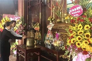 Dâng hương tưởng niệm 114 năm ngày sinh cố Thủ tướng Phạm Văn Đồng