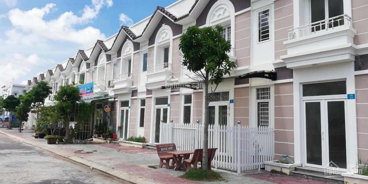 dãy nhà liền kề gồm nhiều ngôi nhà 1 trệt, 1 lầu