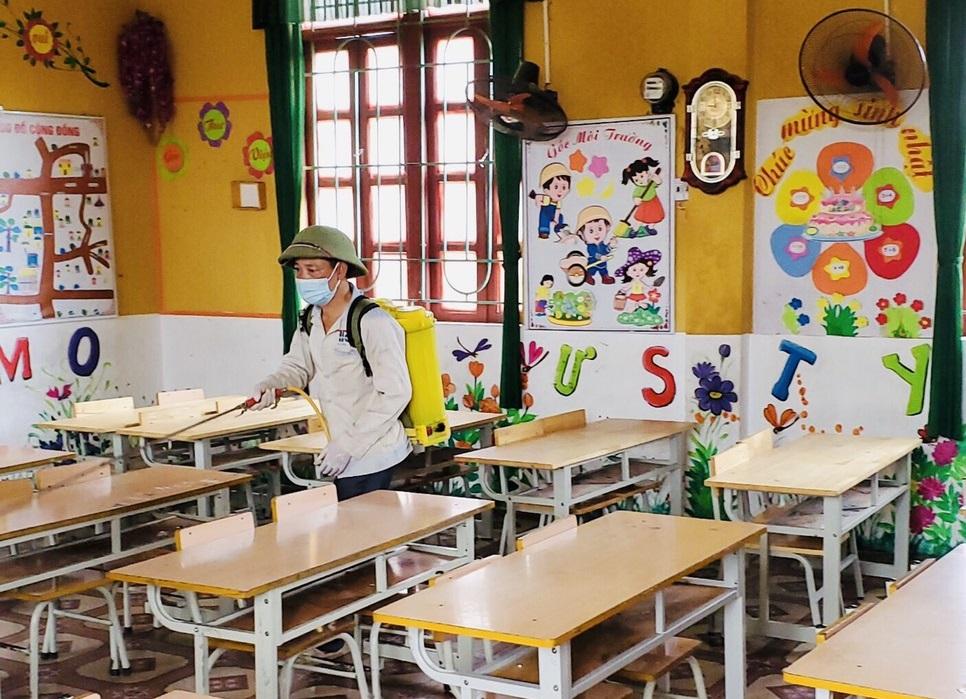 Bắc Giang bảo đảm tiến độ học tập cho học sinh vùng dịch, học sinh Đồng Tháp nghỉ hè từ ngày 16/5