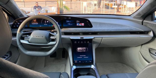 Lạ hoắc với cả thế giới nhưng vì sao mẫu xe điện này được báo Mỹ gọi là kẻ lật đổ Tesla? - Ảnh 5.