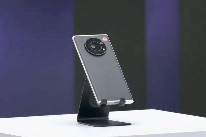 Leica ra mắt smartphone đầu tiên, giá gần 40 triệu đồng - Ảnh 2.
