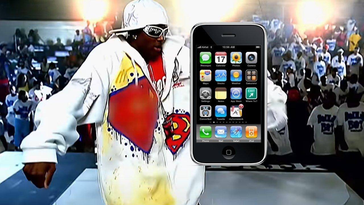 Rapper Soulja Boy tuyên bố chính Steve Jobs đã đến phim trường và tặng anh chiếc iPhone đầu tiên - Ảnh 1.