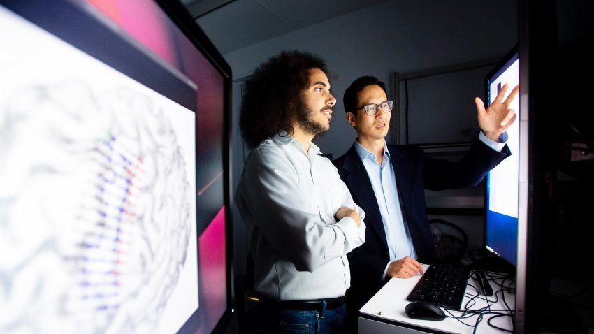 Các nhà khoa học nối não của một người câm với máy tính, và bây giờ anh ấy đã nói được - Ảnh 4.