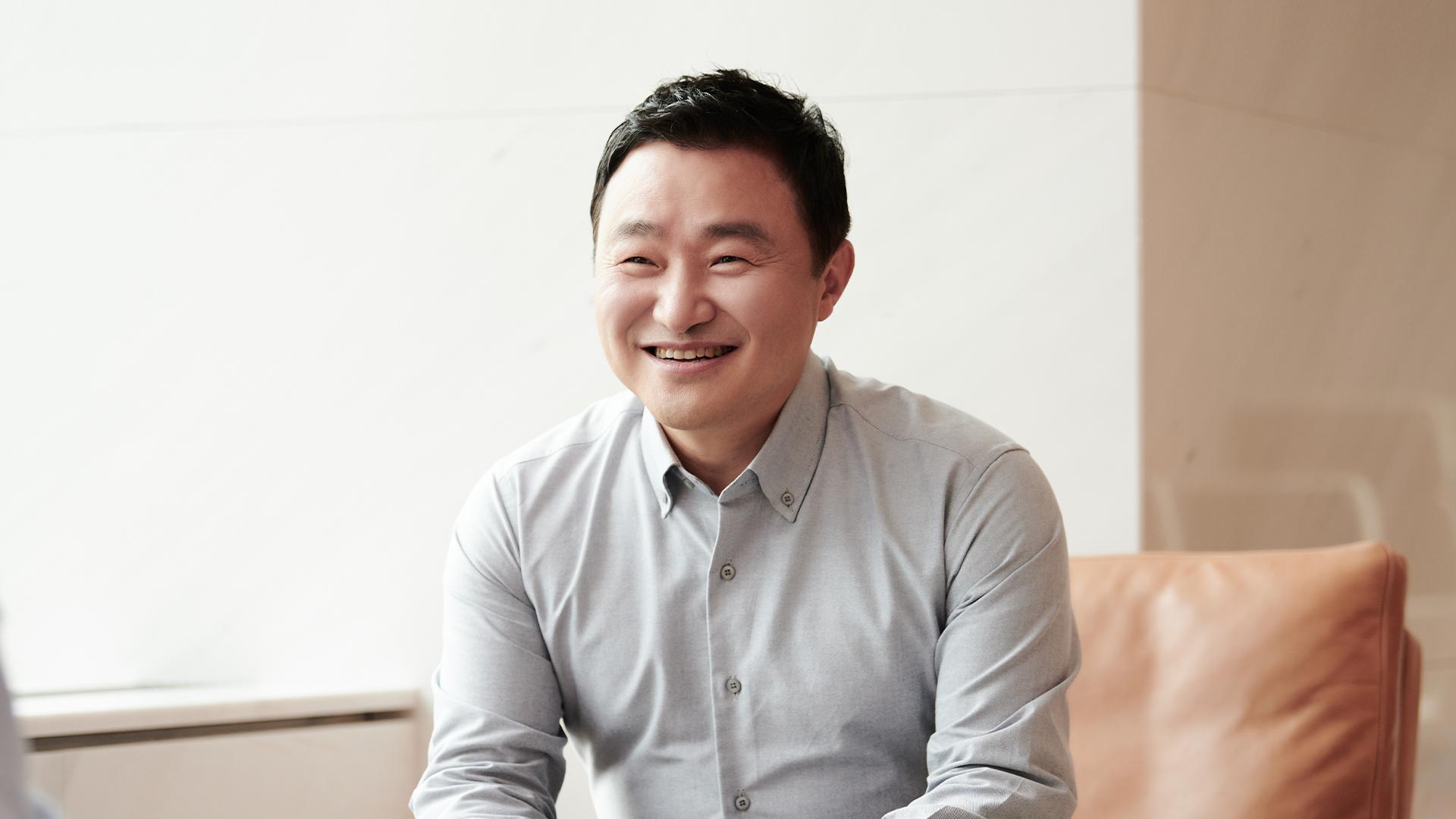 Thiếu chip, sếp tổng Samsung lặn lội sang Mỹ để xin mua thêm nhưng bị từ chối - Ảnh 1.