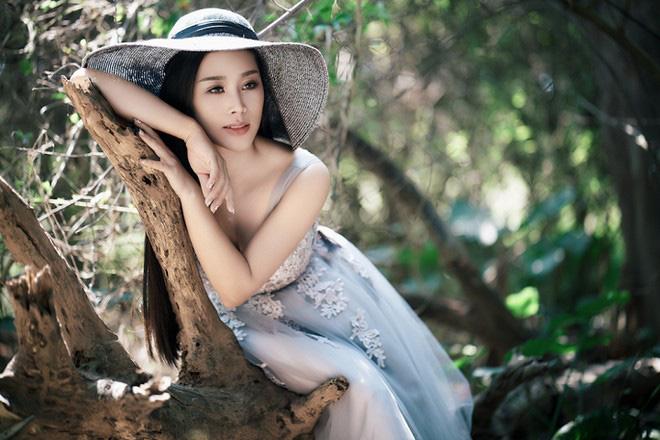 Lóa mắt với biệt thự nhà vườn gần 2000 m2 của chàng ca sĩ hát nhạc đỏ nổi tiếng lấy vợ kém 18 tuổi xinh như hoa hậu - Ảnh 2.