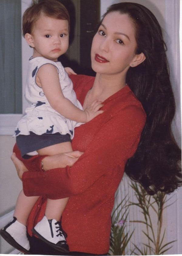 Diễm My 9X và con gái Hà Thùy My lúc nhỏ.