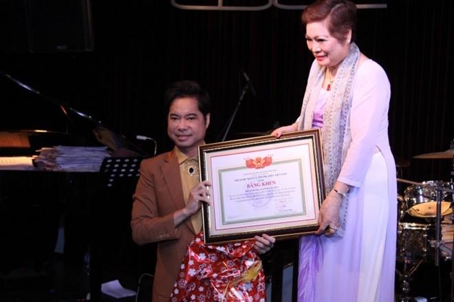Đơn vị trao danh hiệu Nữ hoàng văn hóa tâm linh từng phong Giáo sư âm nhạc cho Ngọc Sơn - Ảnh 3.