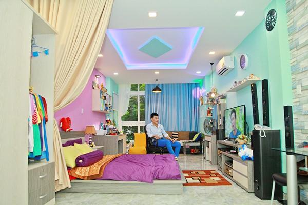 Nhà phố 70 tỷ nhìn đâu cũng thấy màu tím của nam ca sĩ từng là một trong Tứ đại thiên vương của nhạc Việt - Ảnh 3.