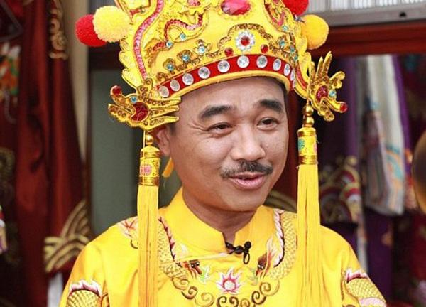 Quốc Khánh, Minh Vượng: Đem tiếng cười dành tặng khán giả, giấu nỗi cô đơn tuổi xế chiều - Ảnh 2.