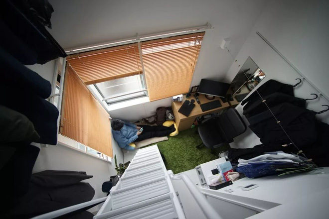 Thanh niên Nhật xoay xở để sống trong căn phòng chưa đầy 10m2, toilet và căn bếp tí hon gây bất ngờ - Ảnh 1.