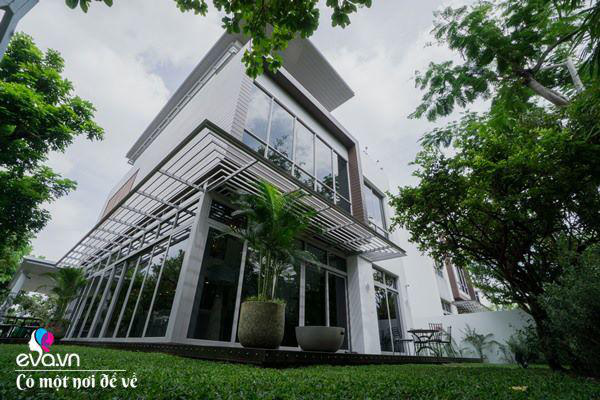 9X Sài Gòn gây sốt giới nghiện nhà với biệt thự khủng, riêng cây đàn trị giá 1 tỷ đồng - Ảnh 1.