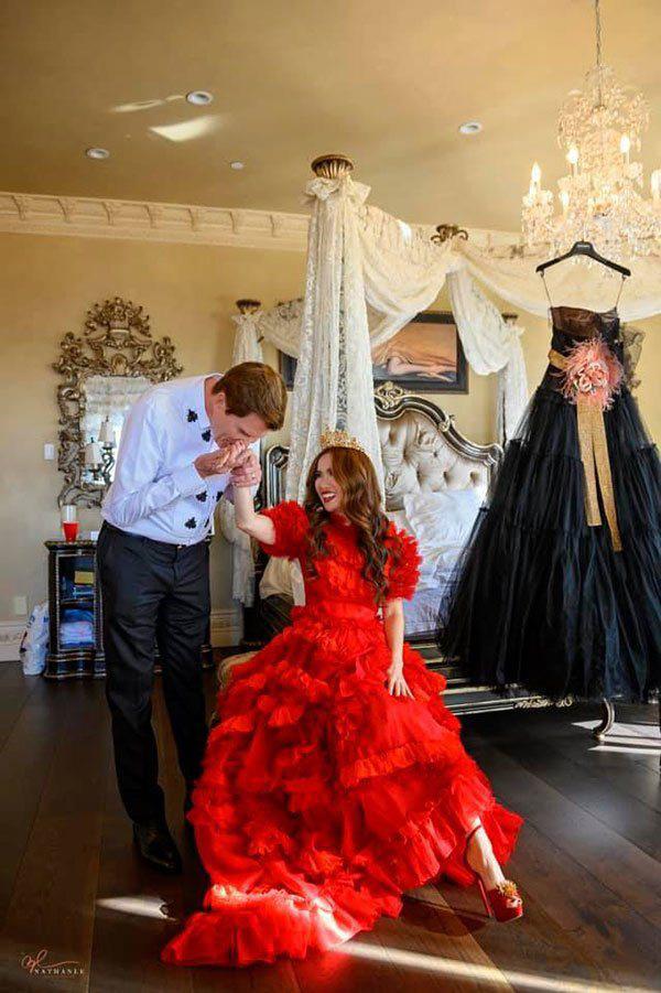 Lấy tỷ phú Mỹ, người phụ nữ Việt ở cung điện 800 tỷ, kỷ niệm ngày cưới như cổ tích - Ảnh 1.