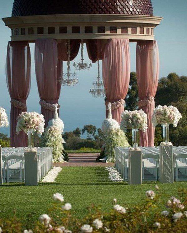 Lấy tỷ phú Mỹ, người phụ nữ Việt ở cung điện 800 tỷ, kỷ niệm ngày cưới như cổ tích - Ảnh 3.