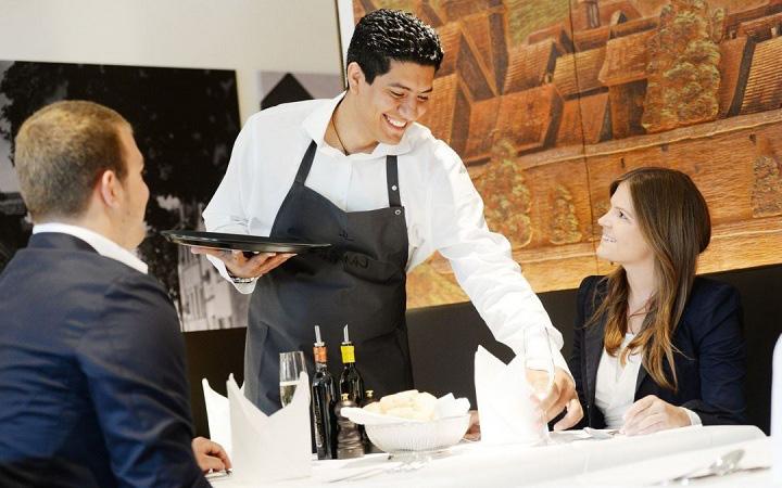10 thủ thuật của nhà hàng khiến khách gọi món nhiều hơn trong vô thức, chỉ đến khi nhìn hóa đơn mới ngỡ ngàng - Ảnh 6.