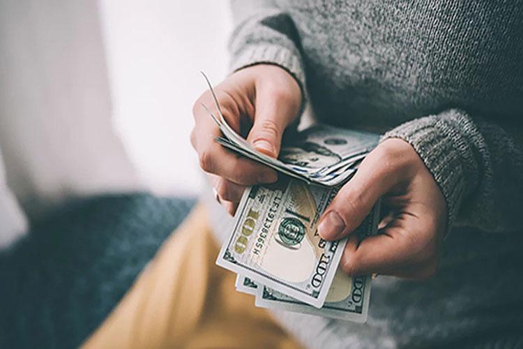 9 sai lầm tồi tệ về tiền bạc nhiều người hay mắc ở lứa tuổi 30 - Ảnh 1.