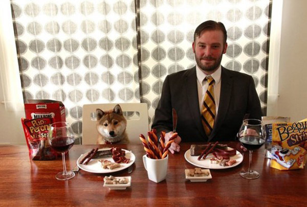 Chỉ ngồi nếm đồ ăn chó mèo xem có ngon không, lương 2,78 tỷ đồng - Ảnh 1.